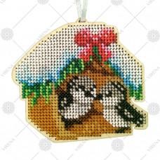 """Новогодняя деревянная игрушка для вышивки бисером или нитками """"Кормушка для птиц"""""""